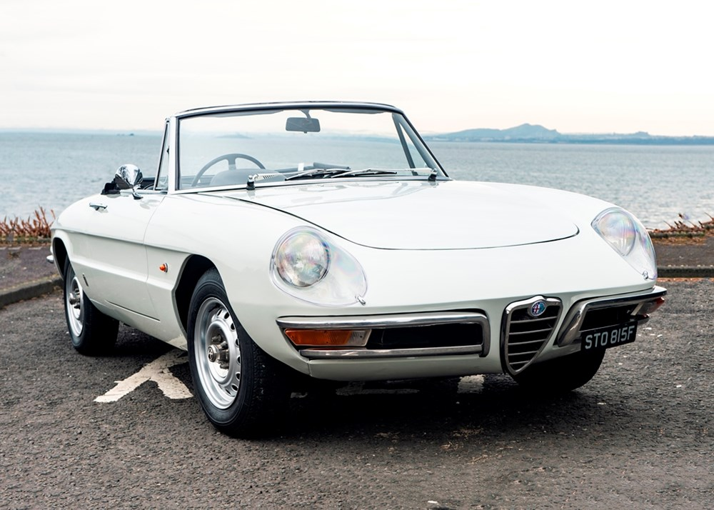Lot 177 - 1967 Alfa Romeo Duetto 1600 Round Tail Spider