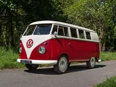 Navigate to Lot 160 - 1961 Volkswagen Type Two 'Split-Screen' Kombi