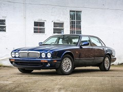 Navigate to Lot 162 - 1997 Jaguar  XJ8 (3.2 litre)