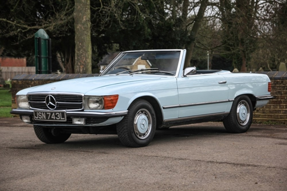 Lot 114 - 1973 Mercedes-Benz 350 SL Roadster