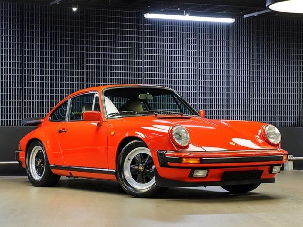 Lot 156 - 1986 Porsche 911 Carrera Sport Coupé