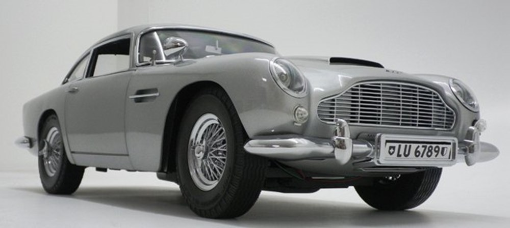 Lot 064 - James Bond Aston Martin DB5