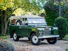 Navigate to Lot 256 - 1961 Land Rover Series II 109