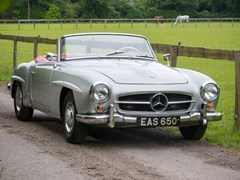 Navigate to Lot 152 - 1961 Mercedes-Benz 190SL Roadster