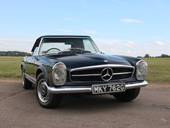 Navigate to Lot 201 - 1969 Mercedes-Benz 280 SL Pagoda