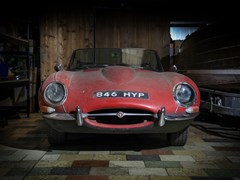 Navigate to Lot 147 - 1962 Jaguar E-Type Series I Roadster