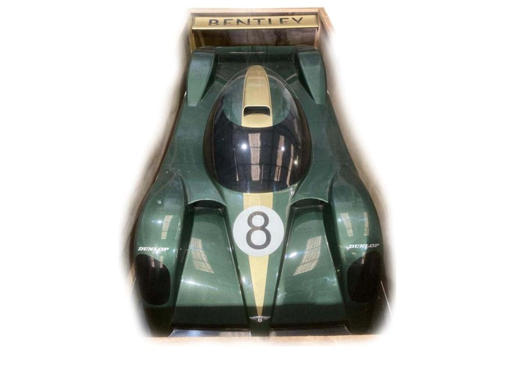 Lot 88 - A display model of the 2001 Le Mans Bentley Speed 8