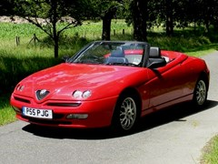 Navigate to Lot 218 - 2000 Alfa Romeo Spider