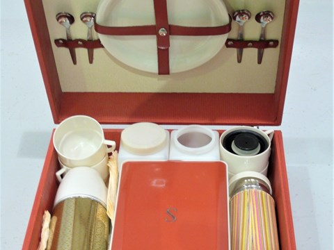 Lot 1 Picnic Set