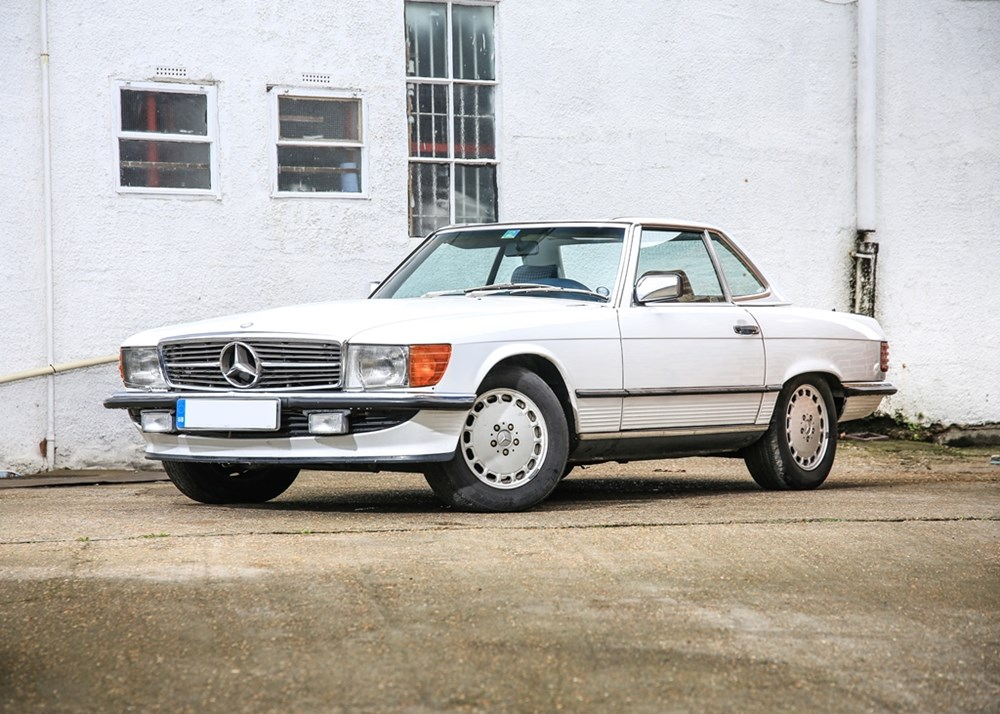 Lot 123 - 1986 Mercedes-Benz 560 SL Roadster