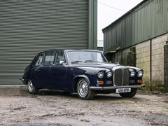 Navigate to Lot 252 - 1984 Daimler DS420