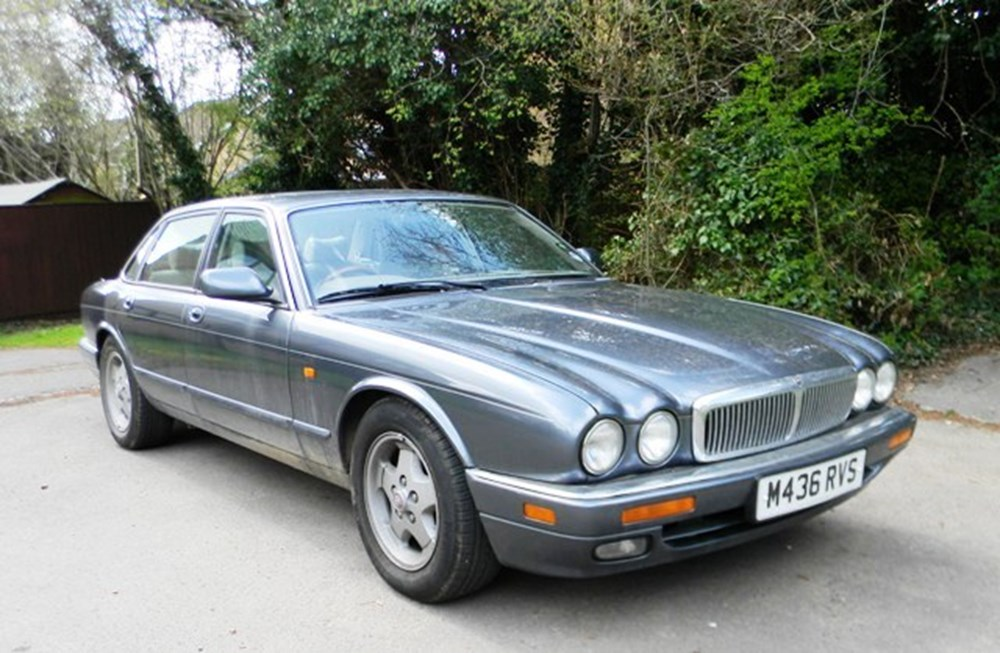 Lot 360 - 1994 Jaguar XJ6 (3.2 litre)