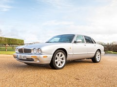Navigate to  2002 Jaguar XJ8 Executive (3.2 litre)