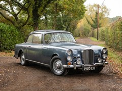 Navigate to Lot 290 - 1964 Alvis TE21 Saloon Series III by Mulliner Park Ward