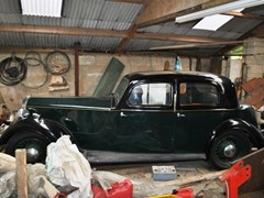 Navigate to Lot 111 - 1937 Rover 14 Saloon P1