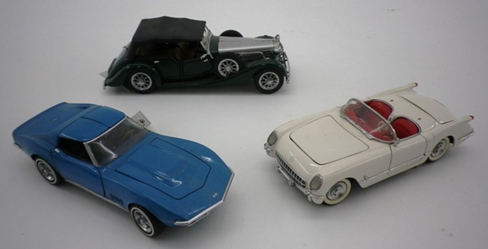 Lot 22 - Three model cars