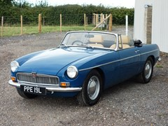 Navigate to Lot 157 - 1973 MG B Roadster