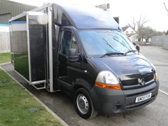 Navigate to Lot 315 - 2006 Renault Master Show Truck *3,800 miles from new*