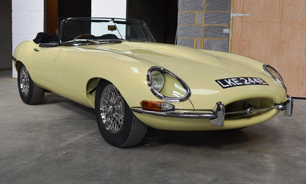 Lot 299 - 1966 Jaguar E-Type Series I Roadster (4.2 litre)