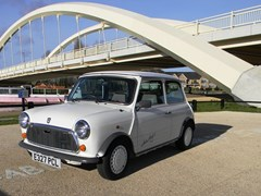 Navigate to Lot 208 - 1987 Austin Mini Advantage