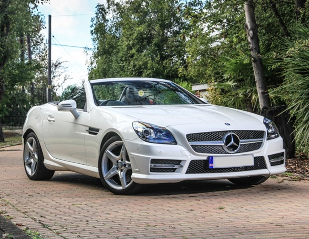 Lot 121 - 2013 Mercedes-Benz SLK 230 AMG Sport
