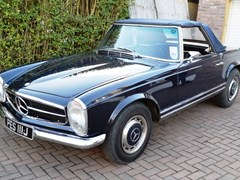 Navigate to Lot 313 - 1968 Mercedes-Benz S280SL Pagoda