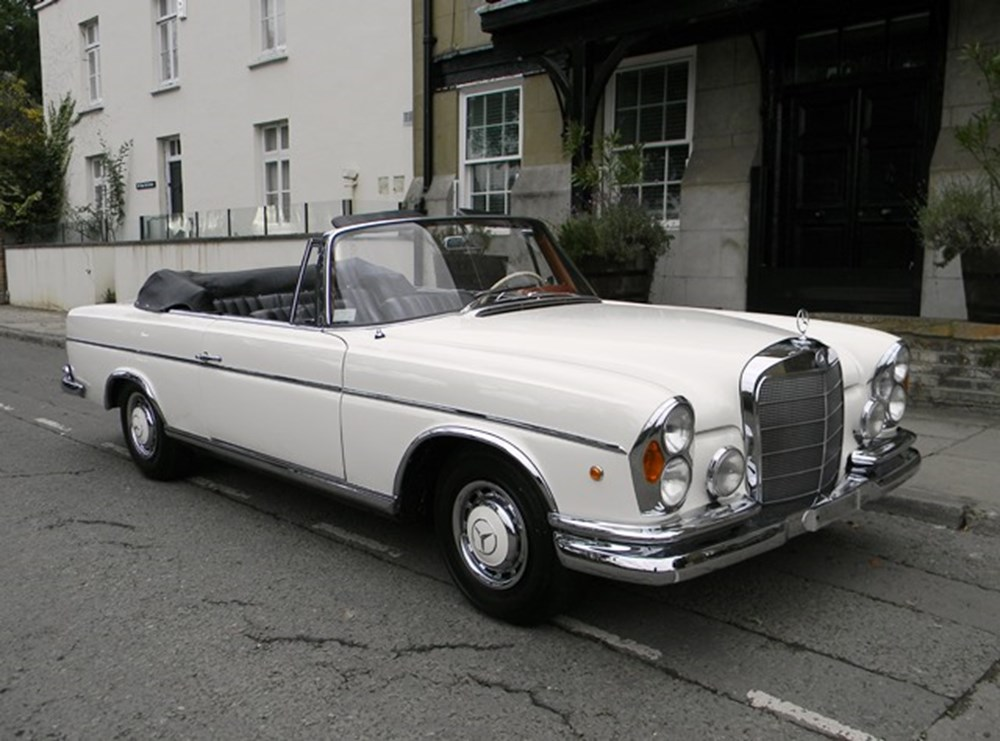 Lot 290 - 1962 Mercedes-Benz 220SE Cabriolet