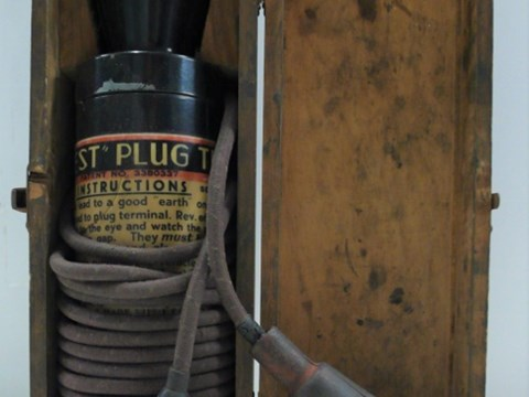 Lot 9. Pyrene Extinguisher
