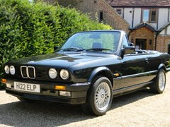 Navigate to Lot 225 - 1990 12866 320i Convertible