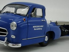 Navigate to Mercedes-Benz Rennwagen-Schnelltransporter Model