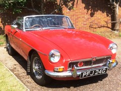 Navigate to Lot 309 - 1968 MG B Roadster