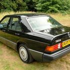 Mercedes-Benz 190E (black) -