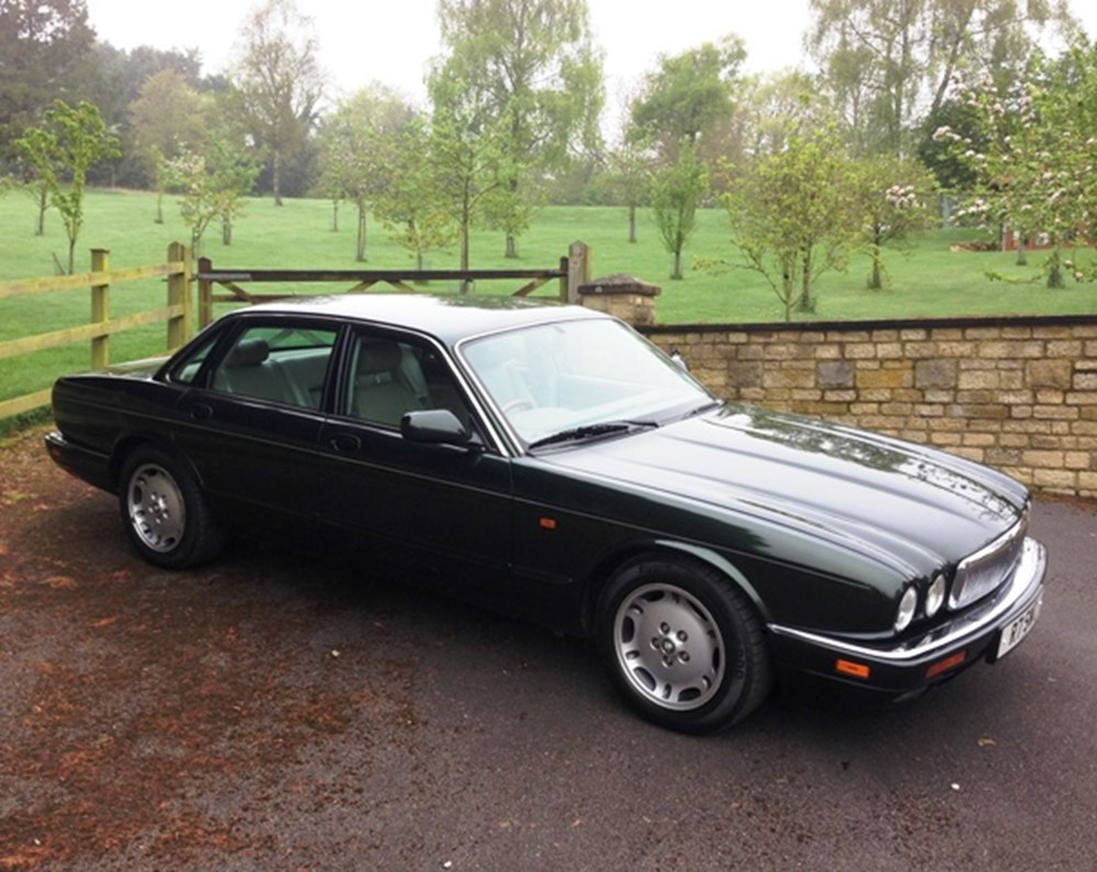 Lot 452 - 1997 Jaguar XJ6 Executive