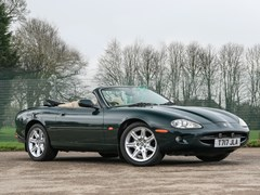 Navigate to Lot 262 - 1999 Jaguar XK8 Convertible