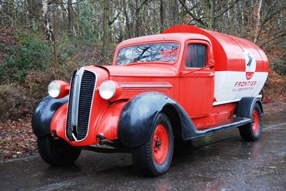 Lot 285 - 1937 Dodge Tanker Truck