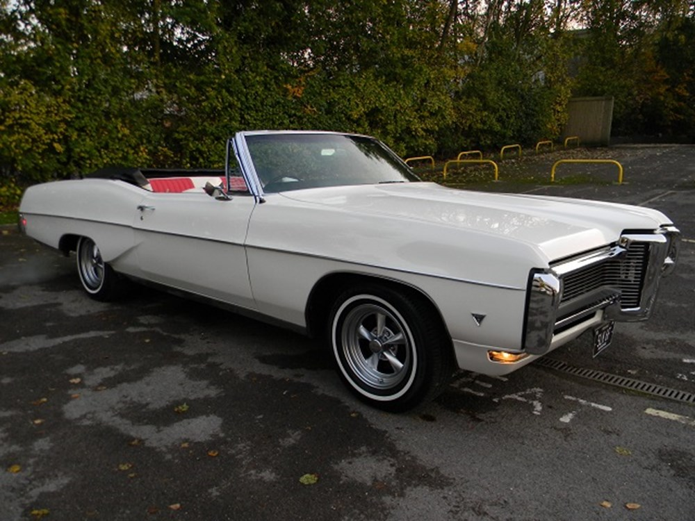 Lot 242 - 1967 Pontiac Parisienne Convertible