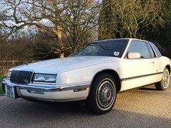 Navigate to Lot 268 - 1990 Buick Riviera