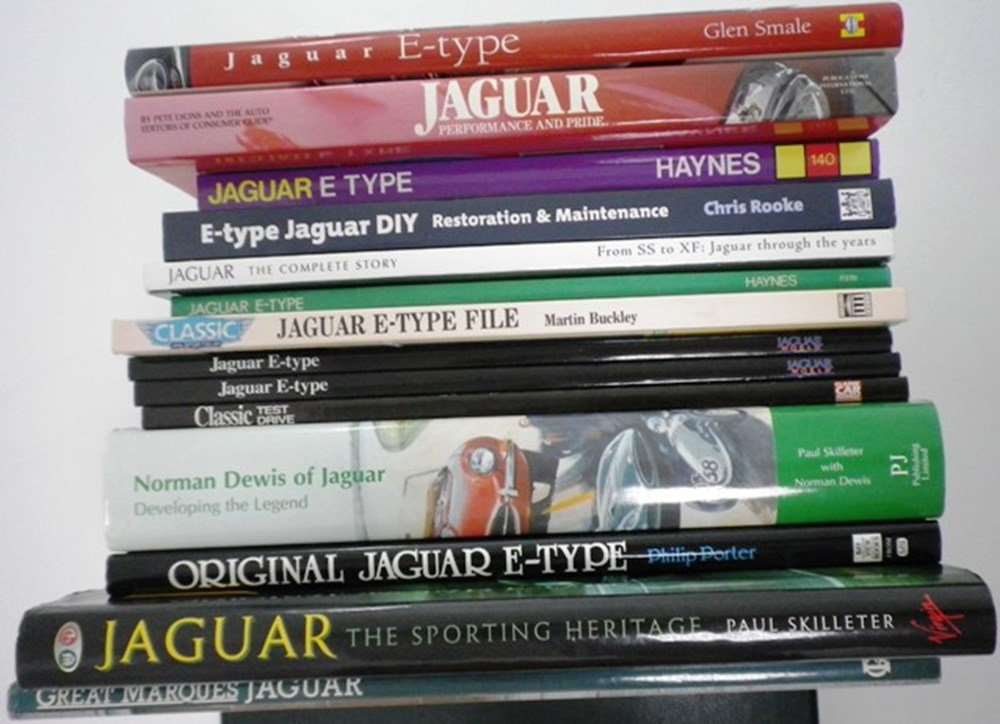 Lot 020 - Jaguar related books