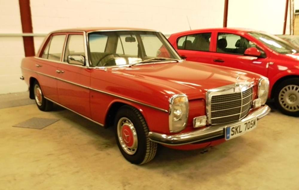 Lot 225 - 1974 Mercedes-Benz 230