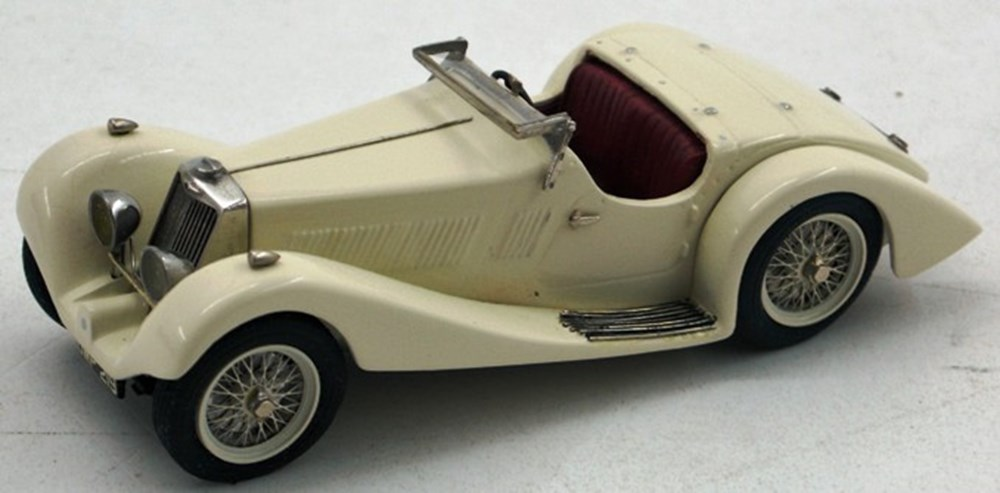 Lot 33 - A 1934 Squire model.