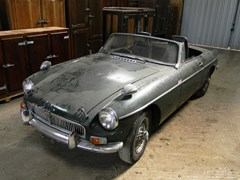 Navigate to Lot 365 - 1963 MG B Roadster