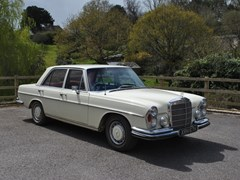 Navigate to Lot 211 - 1970 Mercedes-Benz 280SE Saloon
