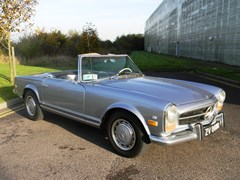 Navigate to Lot 260 - 1971 Mercedes-Benz 280SL Roadster