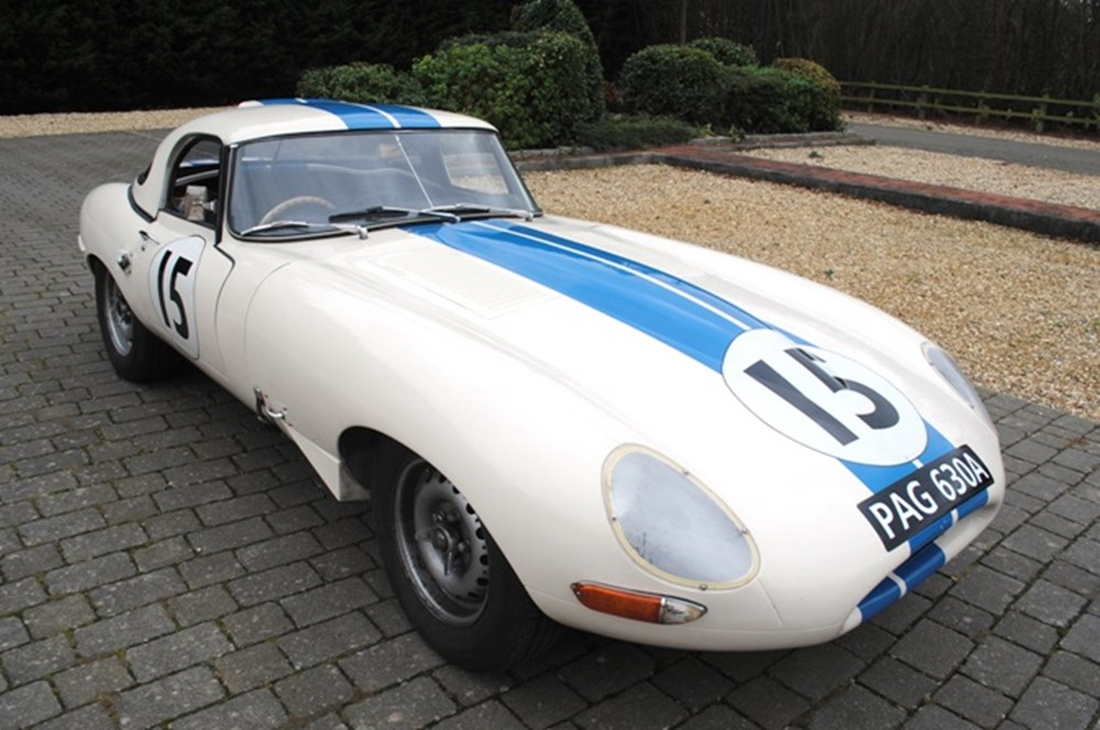 Lot 282 - 1976 Jaguar E-Type S1 Roadster by Challenger