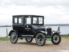 Navigate to Lot 282 - 1924 Ford Model T Fordor