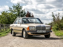 Navigate to Lot 271 - 1983 Mercedes-Benz 230E