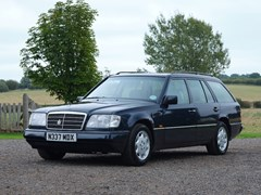 Navigate to Lot 113 - 1996 Mercedes-Benz E220 Estate