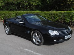 Navigate to Lot 327 - 2004 Mercedes-Benz 350 SL Roadster