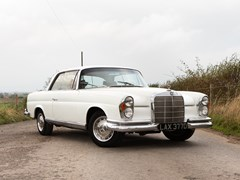 Navigate to Lot 325 - 1966 Mercedes-Benz 250 SE Coupé