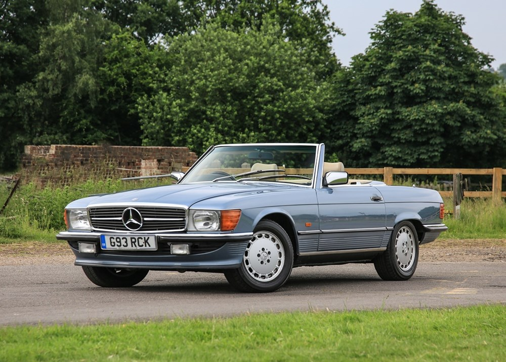 Lot 258 - 1989 Mercedes-Benz 300 SL Roadster
